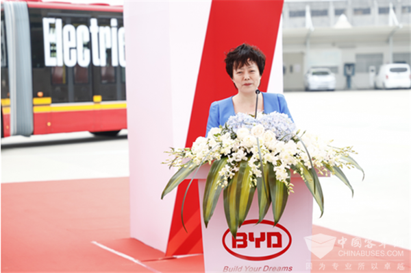 超大容量BRT客车电动化,比亚迪再创世界之最